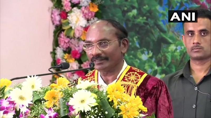 भारतीय अंतरिक्ष अनुसंधान संगठन (इसरो) के अध्यक्ष के. सिवन