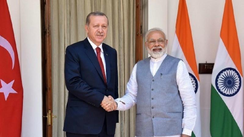 पीएम नरेंद्र मोदी और तुर्की के राष्ट्रपति रेसेप तैयप एर्दोगान