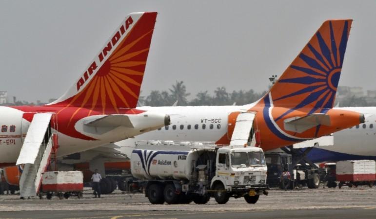 एयर इंडिया विभिन्न कारणों के चलते लगातार सुर्खियों में बनी रहती है.