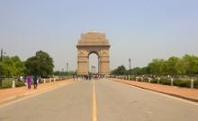 दिल्ली के सरकारी बंगलों में जमे सांसदों और मंत्रियों के अतिथियों से बंगला खाली कराना बना सरकार के गले की फांस