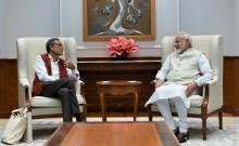 पीएम मोदी ने की नोबेल पुरस्कार के लिए चयनित प्रोफेसर अभिजीत बनर्जी के साथ विभिन्न मुद्दों पर चर्चा