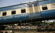 बांग्लादेश में जबरदस्त ट्रेन हादसे में 16 लोगों की मौत, 60 घायल; बढ़ सकती है हताहतों की संख्या