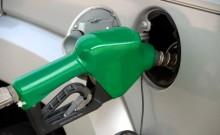 अभी और महंगा हो सकता है पेट्रोल-डीजल, बढ़ रहा है कच्चे तेल का दाम