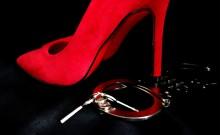 होटल में प्रेमिका संग मिला अदालत में पेशी के लिए लाया गया हत्यारोपी, उत्तर प्रदेश के देवरिया की घटना