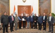 राष्ट्रपति से मिल 154 प्रबुद्ध नागरिकों ने की सीएए के खिलाफ हिंसा करने वालों पर कार्रवाई की मांग