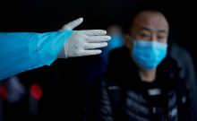चीन में कोरोनावायरस से मरने वालों की संख्या 2,300 के पार, डब्ल्यूएचओ की टीम पहुंची वुहान